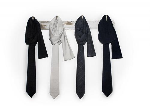 Завязывая галстук, не завязываем с искренностью