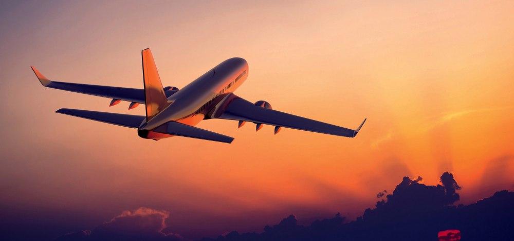 Мы управляем самолётиком и у каждого свои функции.